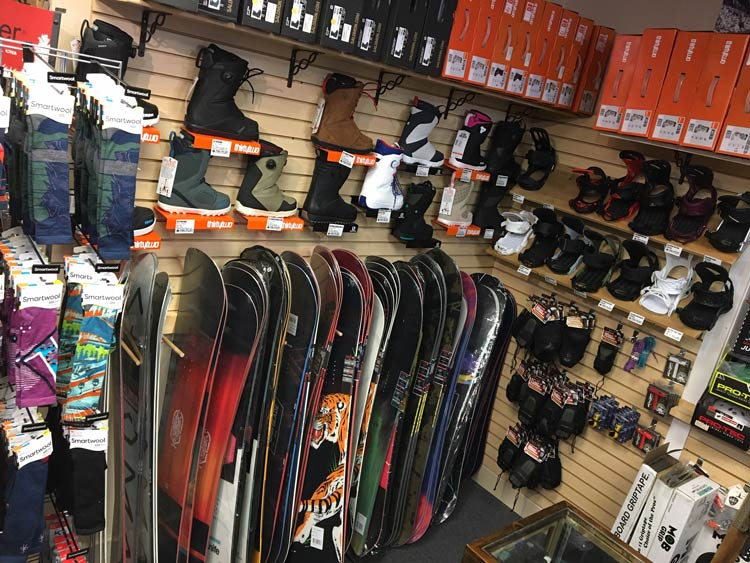 Snowboard-Wall31820-loudouncounty-va